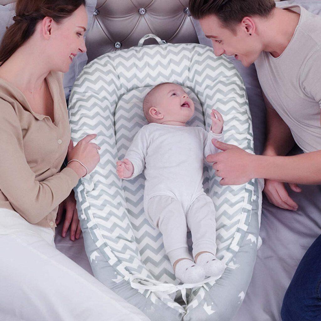 El uso del nido permite a los padres libertad de movimientos alrededor de su bebe cuando este esta descansando